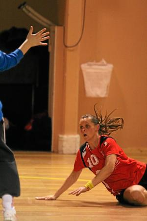 Sala HF:s Eva Allerbrand stod för tre mål mot Örebros B-lag. Foto: Niclas Bergwall