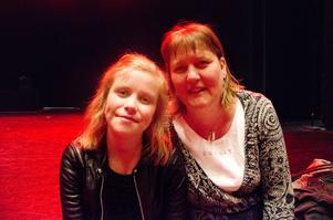 Mamma Malin Bodin-Persson imponeras över dotterns enorma kämpaglöd. Att få se Josefine på scenen under helgens dansföreställning var en speciell upplevelse för Malin.