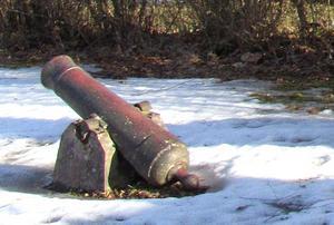 Kanonen har stulits. Bilden tagen tidigare i år.