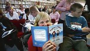Marie-Louise Andersen har tillsammans med Ulrika Å Jondelius skrivit boken om Majken, Melker och Amirs upptäcktsfärd. FOTO: GUN WIGH