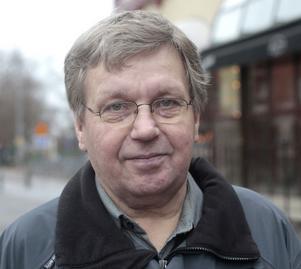 Roger Forsberg, 67, pensionär, Ljusdal:– Där jag bor finns det snö. Det kom i söndags. Jag hade inte saknat den, skotta snö kommer vi att få göra ändå.