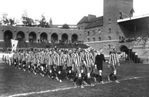 Kulturväktare vill bevara Stadion och Djurgårdens IF tvingas kvar i ett museiföremål. Vi vill slippa få  ett liknande läge här i Gävle med Strömvallen.
