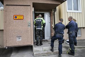 Polis larmades under måndagen till en adress i centrala Söderhamn.