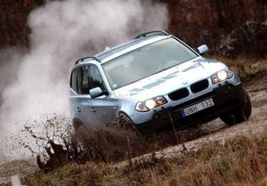 BMW X3 xDrive 20d369 000 kronor.Gamlingen i sällskapet (lanserad 2003) som fortfarande är konkurrensduglig.