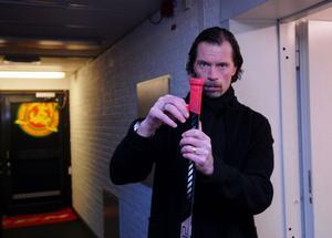 Roger Johansson kom in i Mora IK som assisterande tränare i slutet av säsongen. Nu öppnar han för en fortsättning i klubben.