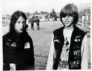 Mattias Öberg och Robert Andersson. I tidningen uppgav de ett par klasskamraters namn.