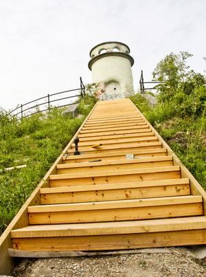 Västra berget har fått en ny trappa.