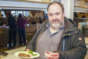 Klaus Düdenhöfer, kostchef i Härjedalens kommun, var mycket nöjd med maten som serverades.