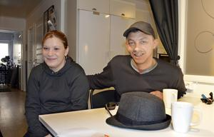 Irina Gherasa är personlig assistent och Alex Bujor Dumitru har fått jobb som event-värd.