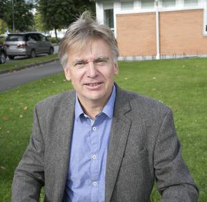 Självfallet hade det varit bättre om det varit enhälligt i kommunstyrelsen, säger Jan Lindström om att M, BOP och MP reserverade sg mot beslutet att erbjuda honom jobbet.
