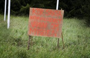 Är det den här skylten som befolkningen satt upp som fått Naturvårdsverket att tänka om?