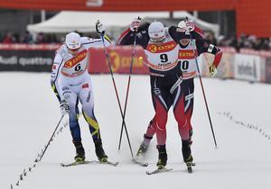 Falun 170128World cup sprint, kvalOskar Svenssons stav fastnar och tredjeplatsen försvinner och blir en fjärdeplacering.Foto Nisse Schmidt