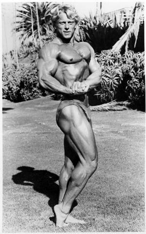 En ung Andreas Cahling i början på sin proffskarriär som bodybuilder.