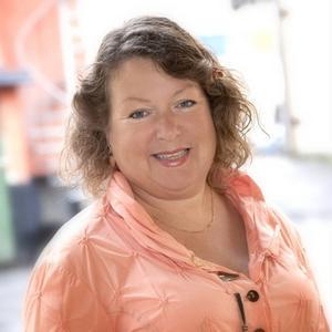 Eva Hellstrand gör intressant comeback i de politiska sammanhangen, nu som Centerns förstanamn inför regionvalet nästa år.