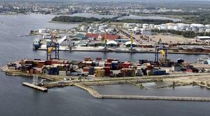 Gävle hamn har fått flera förfrågningar gällande att ta emot fartyg som ska fungera som asylboenden.