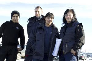 Från vänster Ghazwan Abbas, praktikant från Ullvigymnasiet, Marcus Pettersson, Kochar Sharif och Susanne Flinck från Sandvik.