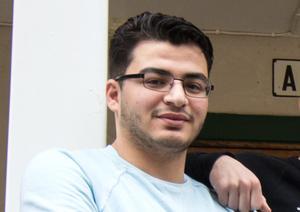 Tarek Dakouri är en av dem som mister jobbet när asylboendet stänger. Nu siktar han på att få jobb inom hemtjänsten i Hedemora.