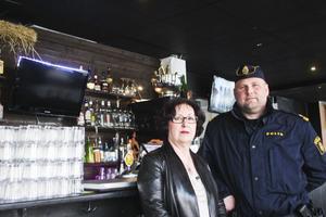 Lisbeth Karlsson, alkoholhandläggare och Jante Ekholm vill minska användandet av narkotika på krogen.