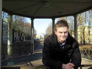 Stefan Helmersson är ny ordförande för Centerpartiet Gävle. Det är han även sedan tidigare i Centers Ungdomsförbund som har 13 medlemmar i Gävle. 47 stycken medlemmar återfinns i Gävleborg, varav 15 aktiva.