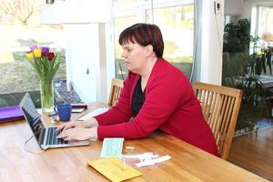 Dna-släktforskningen bedrivs mycket via datorn och nätforum. Till exempel finns ett svenskt forum på Facebook.