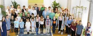 Skolbarnen i By stod i fokus när By utvecklingsgrupp höll vårsoaré i Vadsbro missionshus.