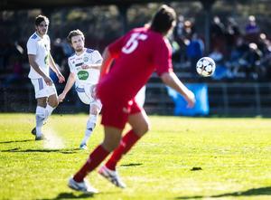 SFF:s Simon Åberg kvitterade på frispark vid bortamötet med Teg. Division 2-matchen slutade 2–2.