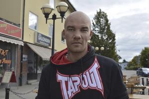 Christian Peters, 34 år, svetsare, Hudiksvall: –Nej, det gör jag inte. Jag kollar inte så mycket på reklam.