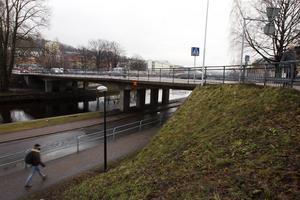 En ny bro över Selångersån börjar byggas tidigast 2017.
