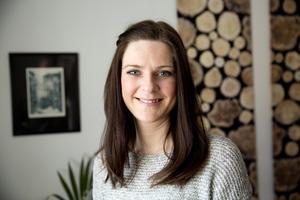 Om det är utsikten som är bostadens styrka ska man förstås inte dölja den bakom tjocka gardiner, säger Sara Silfverstrand.