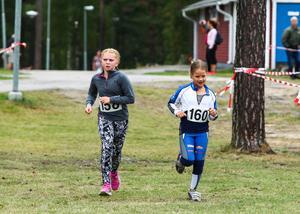 Seniorernas triathlon blev inställd. Duathlontävlingen för ungdomar 10-16 år dominerades av skidungdomar på träningsläger i startlistorna.