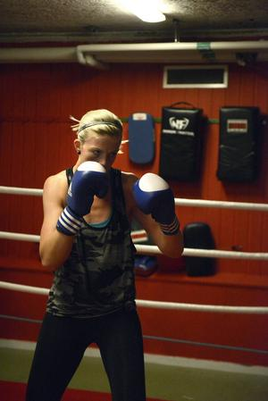 Love Holgersson – Smedjebackens boxningsdrottning.