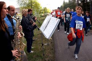 Musiker spelade för löparna 2005