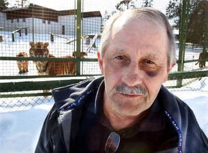 – Tänk om inte mobilen fungerat, då hade jag aldrig överlevt attacken, säger Bengt Eriksson.