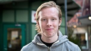 Nicklas Larsson, 18, studerande, Nykvarn: – Att det ska bli kul. Jag spelar innebandy så jag ser fram emot slutspel.