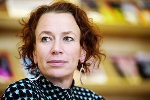 V – Christina Höj Larsen, talesperson i migrationspolitik, integrationspolitik och antirasism, tar plats i partistyrelsen.