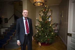 Efter jul och nyår väntar nio månader till som landshövding för Bo Källstrand. Det blev nyss bestämt.Efter september kan nya styrelseuppdrag bli aktuella, avslöjar han i den här intervjun med Klas Leffler.Men också fler sovmorgnar och mer tid för spontana resor och för tre barn och tre barnbarn i Stockholm och Skåne.