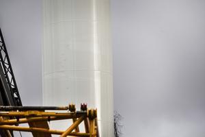 Tornet tvättas med högtryckstvätt för att vara vita och fina när de ställs på plats.