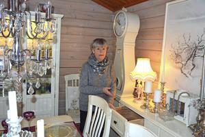 En gång var den här lådan hemma hos Margareta Löfstedt ganska välfylld med guld och silver.
