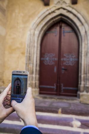 Med en ny mobil-app kan man ta bilder med Martin Luther i Mansfeld.