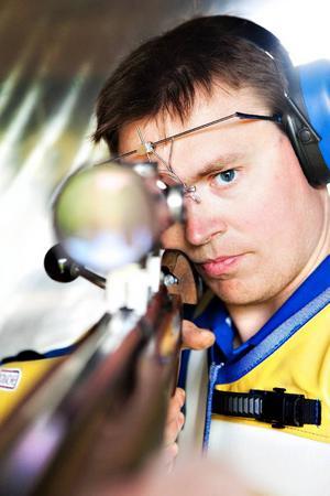 Emil Martinsson tog ett individuellt silver och ett guld i lagtävlingen i dagens gren
