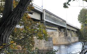 Brogårdsbron är en av broarna i kommunen som kräver omfattande underhåll. Foto: Eva Högkvist