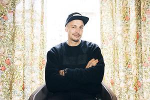 Musikern Petter Askergren väljer att se positivt på sin adhd-diagnos.