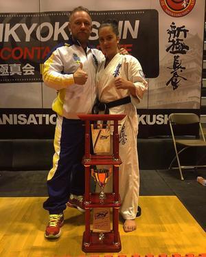 I januari i år tog Rebecca Drage silver i Diamond Cup i Belgien, på bilden med tränaren Egon Axelsson.