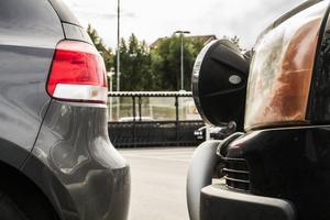 Den vanligaste typen av skador på parkeringar är öppnade dörrar som slår i bilar och att man råkar backa in i någon.