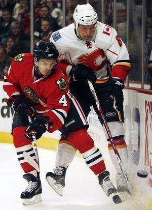 Stopp i åttondelen för Ante Eriksson (till höger) och Calgary Flames.