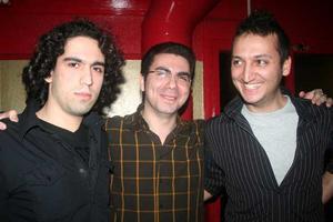Blue Moon Bar. Arash och Mehrdad med kompis