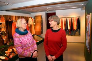 Eva Kaiser och Katarina Tegen-Höckerlind i Ottilia Adelborgmuseet.