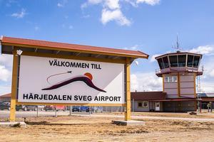 Alla välkomna, utom flygplatschefer?