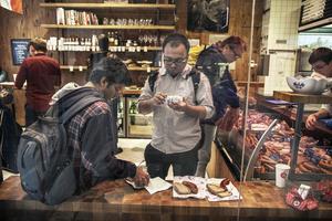 Prags bästa, och definitivt fräschaste, burgare hittar man i köttbutiken Naše maso.