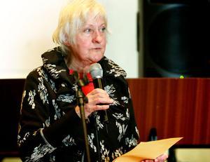 Eva Wiklander, från Skrivare i Hälsingland, läste en ruggig novell.